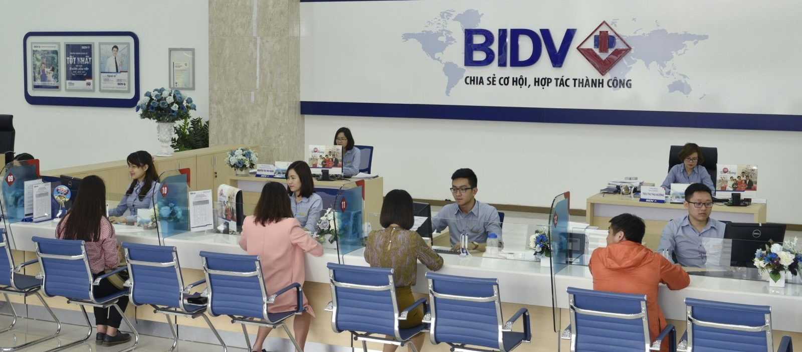 Vietnam arrests former BIDV banker amid graft crackdown