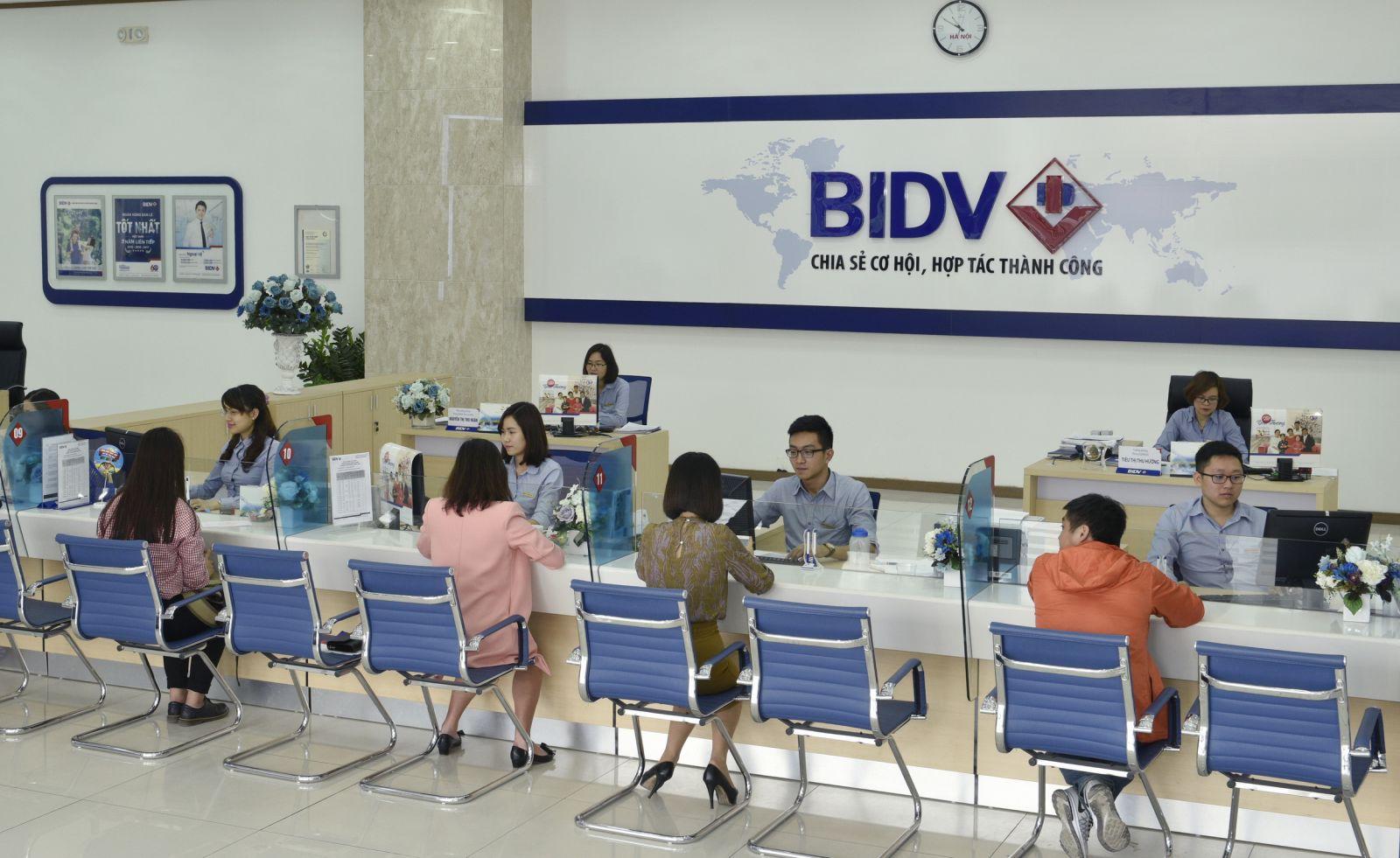 Vietnam arrests former BIDV banker amid graft crackdown